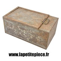 Intérieur métallique de caissette de cartouches et relais de mortier Brandt 1927 31