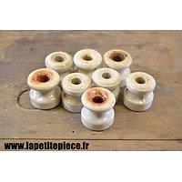 8 poulies / isolateurs électriques en porcelaine 3cm. Equipement electrique / telegraphiste