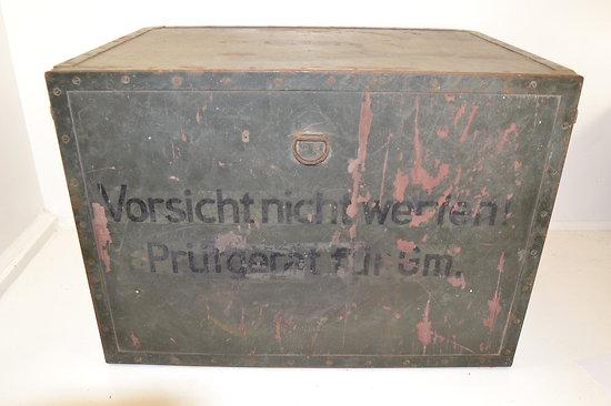Caisse de transport allemande matériel radio ou bureau de campagne