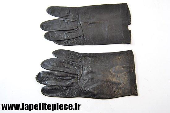 Gant de cuir datant