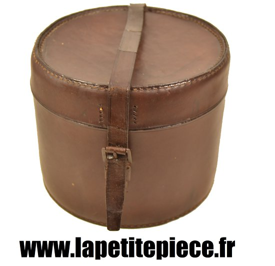 boite ronde en cuir rangement pour ceinturon officier fran ais france ww1 ww2. Black Bedroom Furniture Sets. Home Design Ideas