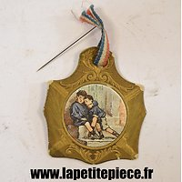 Broche journée nationale des orphelins de la Guerre, Chambrelent Paris