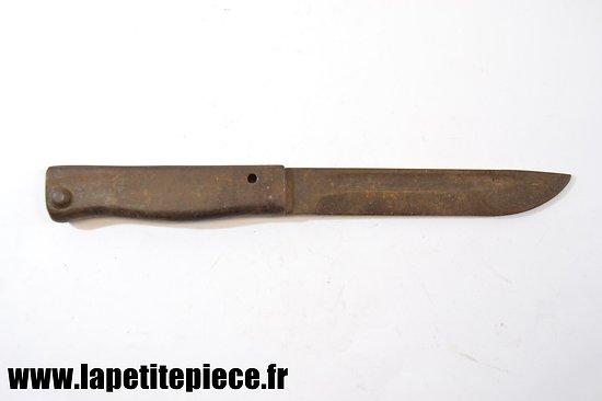 Baionnette Allemande Ersatz modifiée en couteau.