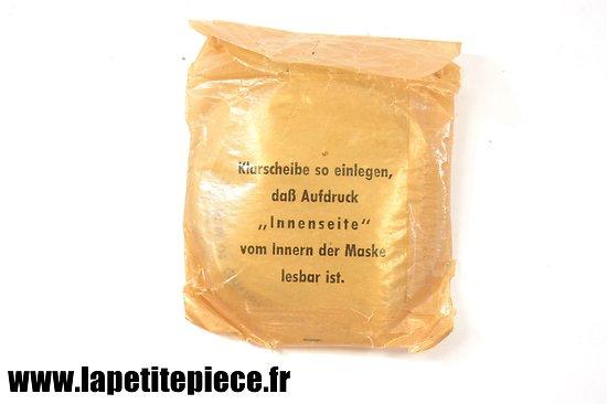 Optiques (verres) de rechange datés 1940 pour masque à gaz Allemand Deuxième Guerre Mondiale. WW2. Klarscheiben
