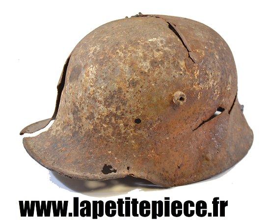 Coque de casque Allemand Première Guerre Mondiale. Pièce de terrain