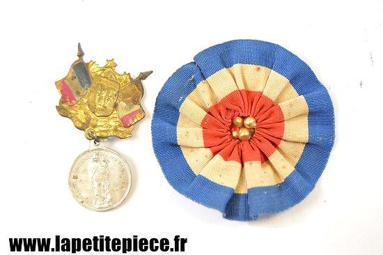 Broche du conseil de révision, médaille Notre Dame Martyre d'Albert 1914-1918