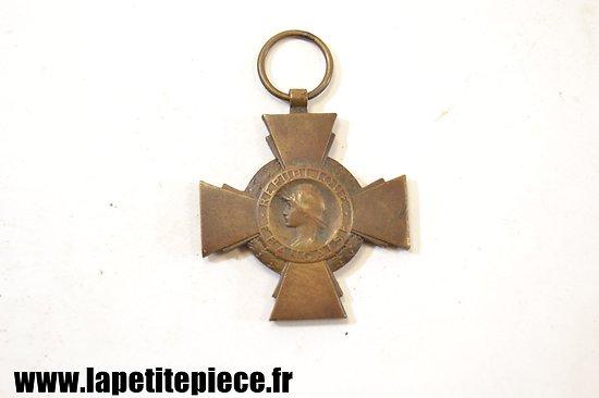Croix du combattant sans ruban