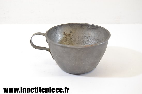 Quart - tasse modèle 1865 - fabrication Moulin-Legume Bagnolet