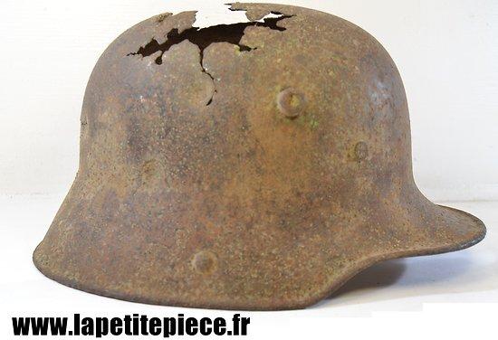 Coque de casque Allemand impacté - Première Guerre Mondiale