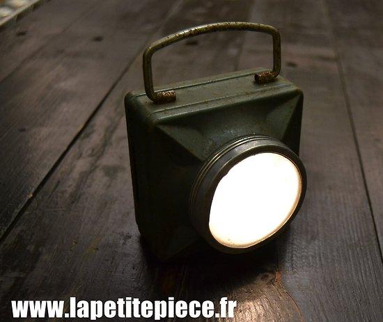 Lampe électrique Française années 1940 - 1950. Idéal reconstitution