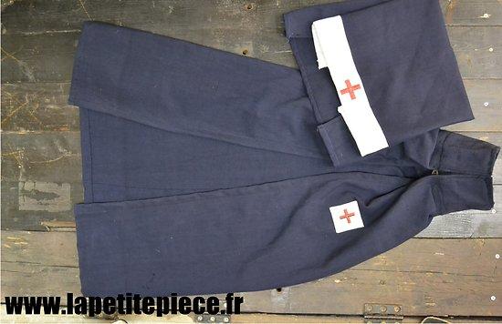 Repro voile + cape Croix Rouge Française Première ou Deuxième Guerre Mondiale