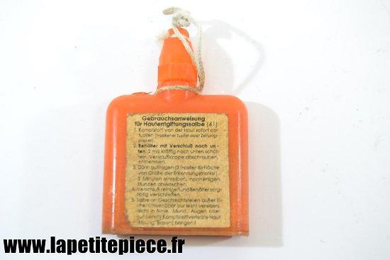 Bidon décontaminent contre les gaz 1943. Gebrauchsanweisung. Masque à gaz. Allemand WW2
