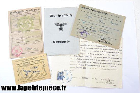 Lot documents Allemands WW2 - Kennkarte, Aisweis ...