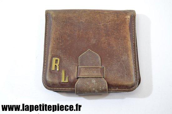 Porte-monnaie en cuir époque Première ou Deuxième Guerre Mondiale