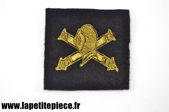 Repro insigne brodé fil doré - Chars de combat. France WW1 / WW2