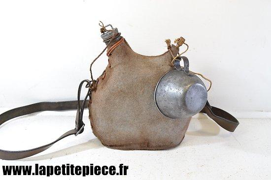 Bidon modèle 1877 restauré, 2L, housse claire - 1916 - 1917
