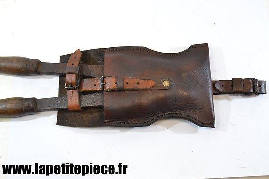 Repro étui cuir cavalerie pour cisaille portative Peugeot 45cm. France