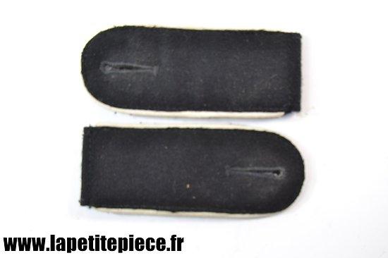 Reproduction pattes d'épaules Allemandes Infanterie Modèle noir