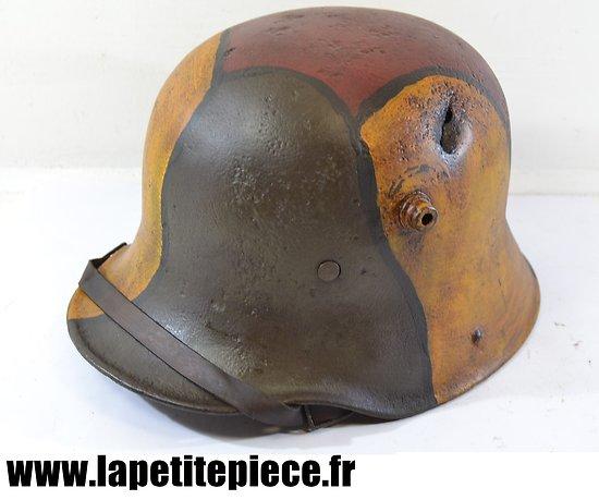 Casque Allemand modèle 1916 reconditionné. Camouflé - impacte