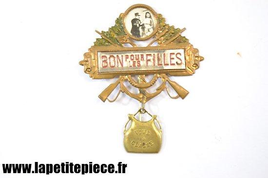 Broche BON POUR LES FILLES - Vive la Classe