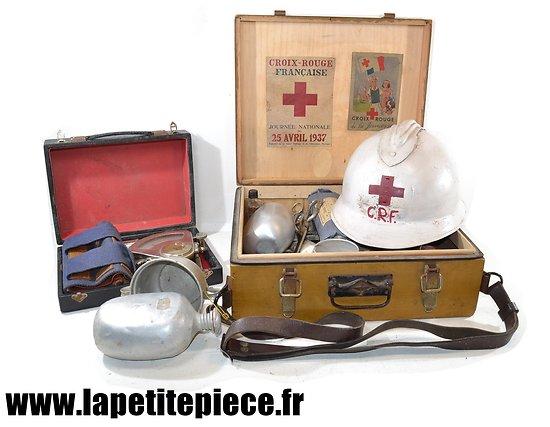 Ensemble croix rouge Française WW2  pour reconstitution