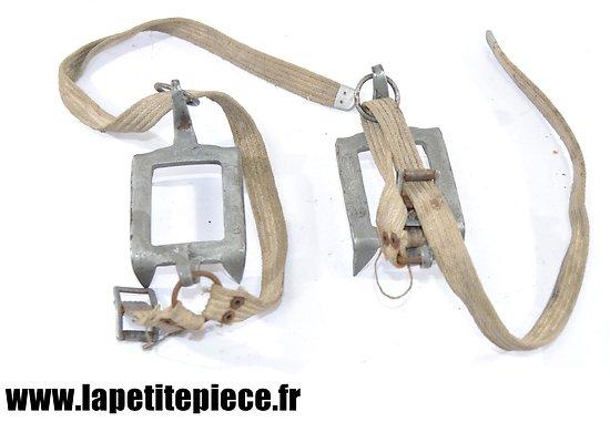 Paire de mini crampons Français WW2 - SIMOND Chamonix