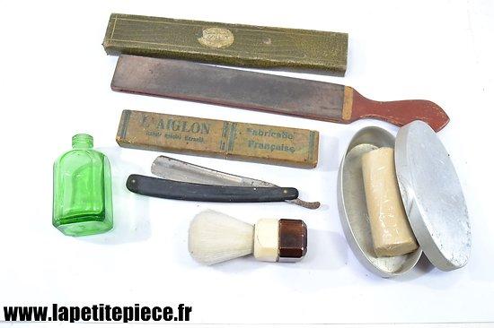 Lot effets personnels Français - nécessaire de rasage