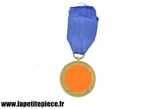 Repro médaille Allemande Für Treue Dienste 8