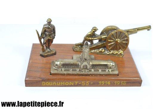 Souvenir de Douaumont - soldat, canon de 75 en régule