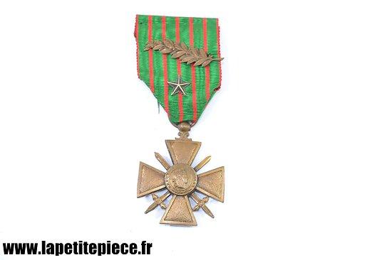 Croix de Guerre 1914 - 1918 avec citations (palme et étoile).