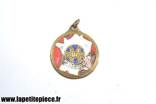 Médaille / pendentif Fédération Nationale des Combattants Prisonniers de Guerre
