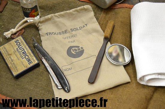 Repro trousse de toilette Française Deuxième Guerre Mondiale. France WW2 GIBBS