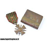 Lot briquet et médaille Première Guerre Mondiale