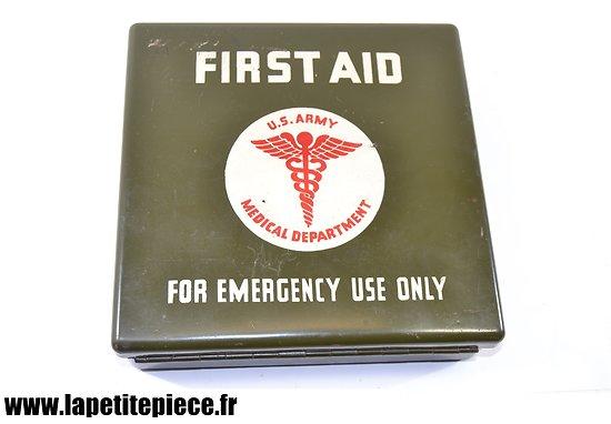 Boite de premiers secours (24 éléments) pour blindés et semi-chenillé. Motor Vehicle First Aid kit