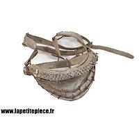 Licol d'écurie de cheval avec muserolle renforcée / cloutée / barbelé. Armée Française