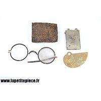 Lot de terrain Allemand WW2 - boucle de ceinturon, lunettes...