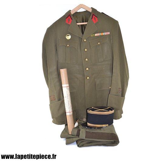 Tenue de sortie Capitaine d'Artillerie 25 Régiment d'Artillerie, insigne Maginot