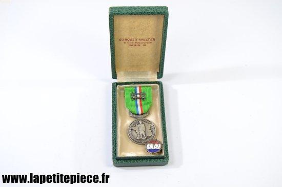 Médaille du mérite Prisonniers de Guerre FNCPG + boutonnière