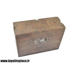 Caisse Allemande pour batterie de téléphone modèle 1916. Feldsprechbatterie 16