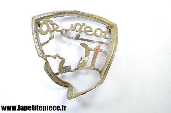Epave insigne de calandre Peugeot 201 Deuxième Guerre Mondiale