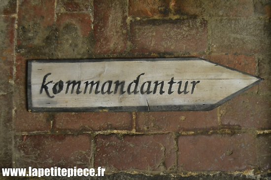 Repro panneau Kommandantur