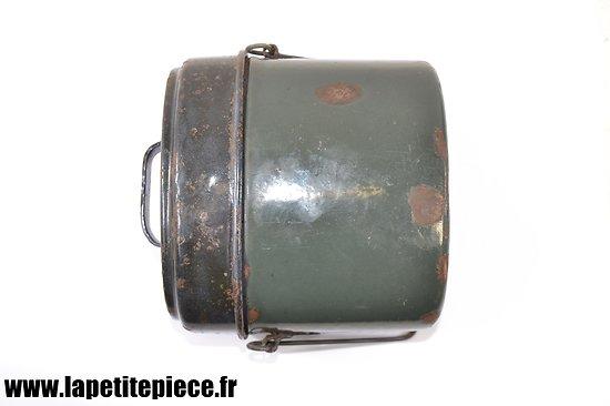 Gamelle Allemande en fer émaillé type fin de Guerre, poignée de couvercle simplifié.