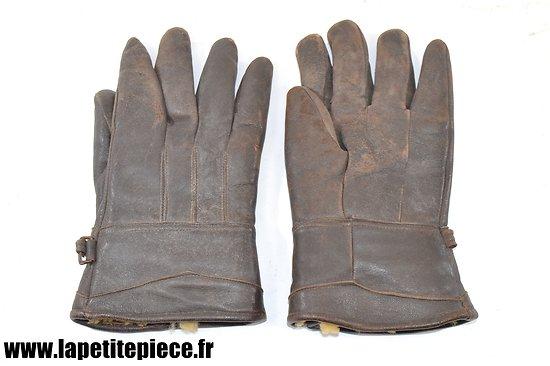 Paire de gants en cuir fourré peau de mouton / lapin. Epoque Première Guerre Mondiale