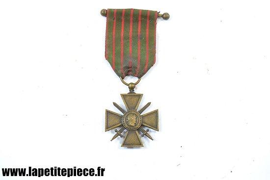 Croix de Guerre 1914-1915 avec barrette de fixation