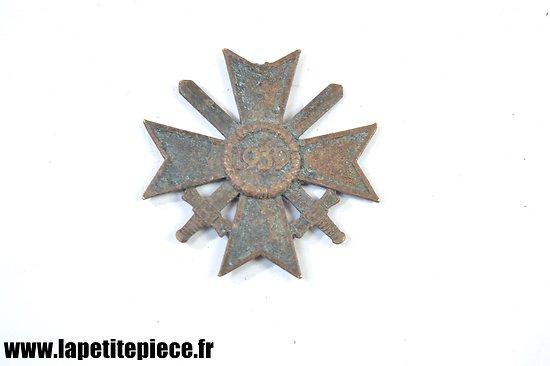 Croix du mérite de Guerre Allemande 1939 - Kriegsverdienstkreuz. Pièce de terrain