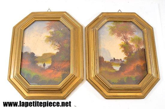 Deux huiles sur toile signées, cadres médaillon