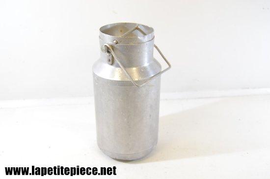 Pot à lait aluminium, milieu 20e Siècle