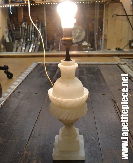 Lampe en albâtre, années 1950 - 1960