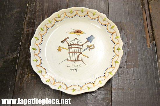 Assiette décorative LA LIBERTE 1793 (révolution)