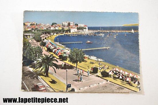 Sainte-Maxime (Var) vue générale de la Promenade et de la plage centrale